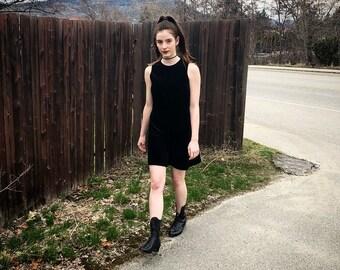 90s Vintage Black Velvet Dress S/M