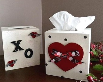 Valentine tissue boxes, XO or Heart