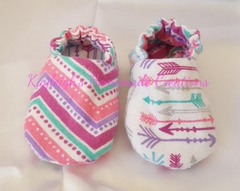 Flannel Reversible Baby Shoes Multi Color Arrows & Chevron | Baby Girl | Crib Shoes | Booties |  Baby Slippers | Soft Sole | Ready to Ship