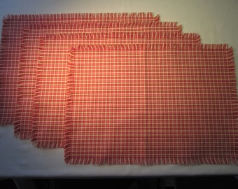 """Set of 4 handmade fringed red and cream checked placemats, vintage thick woven fabric, 14"""" x 19""""new"""