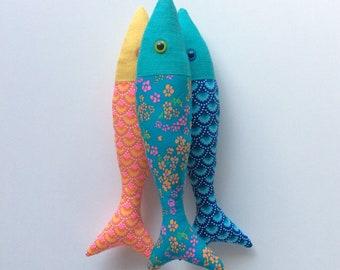 Petit poisson en lin et coton fleuri bleu