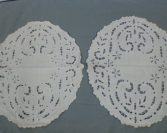 Vintage white linen oval placemats.