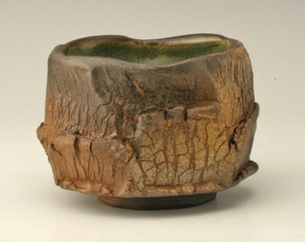 teabowl with tree bark pattern, small tea bowl with wood fired look, japanese tea bowl, antique teabowl, chawan with wood fired look, Shikha