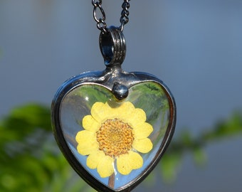 Heart Necklace, Real Dry Pressed Flowers, Necklaces for Women, Sunflower Necklace, Yellow Daisy, Womens Jewelry, Large Heart Necklace 2788
