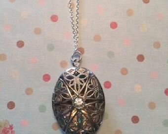 SALE - CLEARANCE - Silver Locket - Silver Locket Necklace - Locket Necklace - Silver Photo Locket - Oval Locket - Silver Necklace - Locket