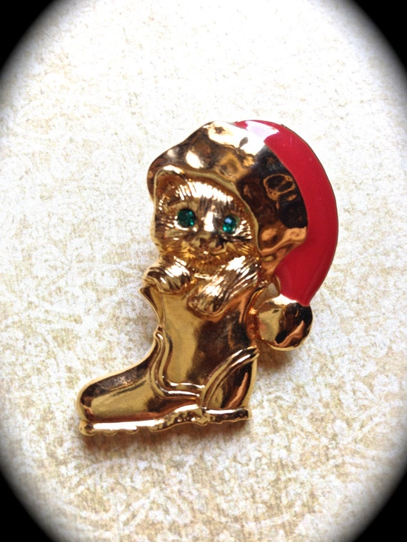 Signed Avon vintage Christmas kitty stocking brooch