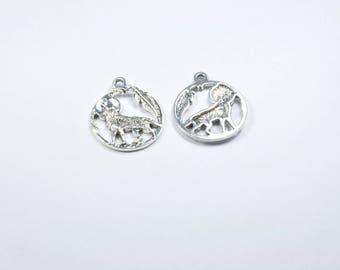 Set of 2 round silver wolf charm