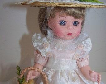 Tisket a Tasket Madame Alexander 8 in doll mint