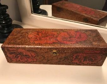 Vintage Flemish art poppy box