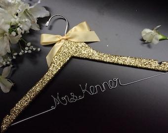 Glitter Bridal Hanger, Custom Wedding Hanger,Personalized Wedding Hanger,Bride's Gift,Bridesmaid Hang,Mrs Hanger,wedding shower gift