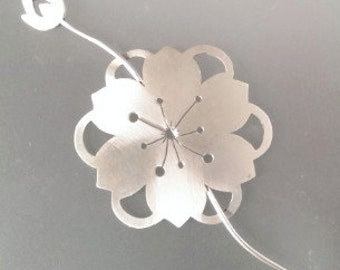 Blossom brooch with stick pin