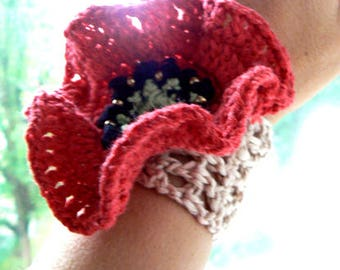 Red poppy crochet cuff. Boho flower crochet fiber art cuff. Bridemaids red poppy bracelet-Wedding beige crochet cuff-Accessory cuff gift