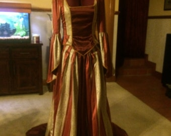 "Victorian Gown with Bustle ""ALEXANDRA"""