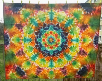 Mandala tapestry / Decoration / Wall / Psychedelic / Tie Dye/ TieDye / Hand made / Psytrance/ Tablecloth / Ultraviolet / Blacklight
