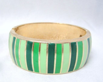 Vintage Gold Tone Green Striped Clasp Bracelet