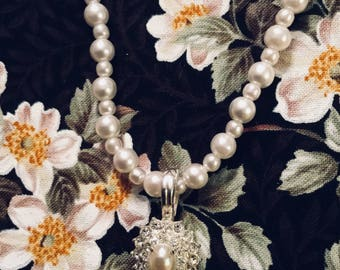 Rhinestones and Pearls Necklace