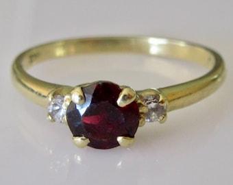 18ct Gold Garnet and Diamond Ring