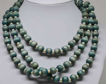 Lovely green tone beaded necklace
