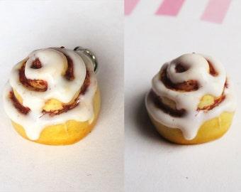 Cinnamon roll charm - food charm, key charm, bag charm, food jewelry, pastry jewelry, pastry charm, miniature food