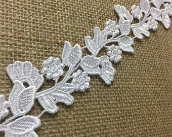 "Item: A1211N3,  2 Yards Lot, 2.5"" Wide, Dancing Flower Trim Bridal Venise Lace,  White"