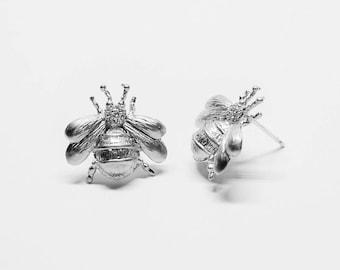 E0174/Anti-tarnished Matte Rhodium Plating Over Brass/Bee Stud Earrings/17.5x17.5mm/2pcs