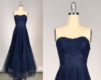 1950s Evening Gown // Vintage 50s Red Carpet Dress // Strapless Sweetheart A-Line Lace and Tulle Gown // Gala Navy Blue Pleated Maxi