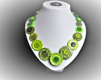 Button necklace - Green swirl.  Gift for her, boho necklace, statement necklace, unique gift, buttons, handmade jewelry, Mothers Day, OOAK