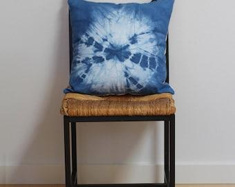 """Shibori Cotton Pillow Cover / Radiating Circles / Tie Dye Indigo /  Hand Dyed Throw Pillow // 18"""" x 18"""""""