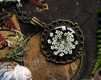 Unique gift for her, White flower necklace, romantic gift for wife, pressed flower pendant, Victorian jewelry, black and white, botanical