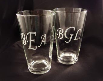 Etched Monogrammed Pint Glasses - Set of 6 - Custom Beer Pint Glasses - Personalized Pint Glasses - Father of the Bride Glass - Pint Glasses