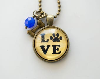 Dog Lover Necklace - Dog Pendant - Animal Pet Jewelry Dog Love Paw Print Jewelry - Gift for Dog Lover Dog Paw Print Necklace Veterinarian