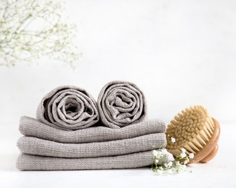 Luxury bath sheets made of natural Baltic linen perfect bathroom towel set