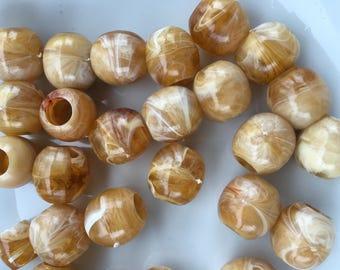 25 vintage swirled lucite beads 15mm, beige, white oblong