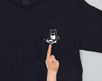 Batman In Pocket-Geburtstag-Geschenk-Idee zeigt Mittelfinger spiegeln die Vogel-Shirt sichtbar, wenn Sie Ihre Tasche ziehen versteckt Überraschung