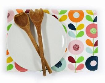 Scandinavian Swedish retro flower fabric Place/table mats - Cirkelblooma