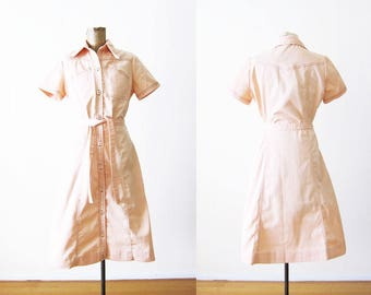70s Dress / Button Down Dress / Peach Dress / Pastel Dress / Waitress Dress / 1970s Clothing / Vintage Dress Small