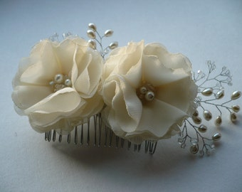 Ivory flower hair comb Ivory hair accessories Bridal hair accessory Bridal hair comb