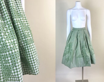 Small •• 1950s OLIVE GREEN gingham embroidered cotton full skirt •• vintage fifties green skirt