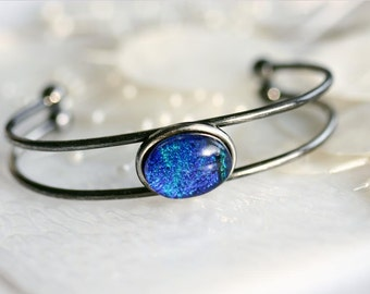 Bangle Bracelet in Blue Dichroic Fused Glass BL0017, GetGlassy