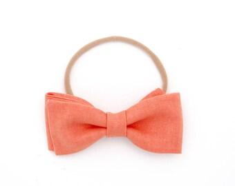 "Hand-folded ""Graham"" bow // fabric bow // Baby, Little girl, Big girl - Mango Linen"