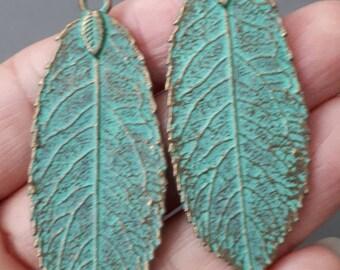 2pcs Patina brass tone leaf pendant,  Vintage turquoise green tone brass Leaf charm pendant