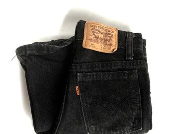 VINTAGE 90's Levi Strauss Distressed Jeans // Mom Jeans // High Waisted // Childrens Size 8