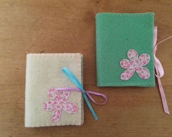 Wool Felt Needle Book, Sewing Needle Case, Needle Book, Felt Needle Holder, Daisy Needle Case