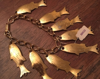 Darling 1960's deadstock novelty fish charm bracelet in gold tone