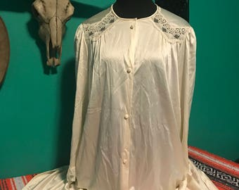 Vintage Vanity Fair Button Front Lace and Nylon Robe