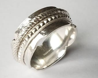 Sterling silver handmade two band spinner ring, hallmarked in edinburgh