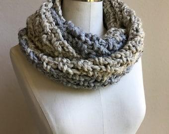 Chunky Crochet Color Block Infinity Scarf / Soft Market Wrap Scarf / Oatmeal Infinity Scarf / Cozy Winter Scarf / Gray Winter Scarf