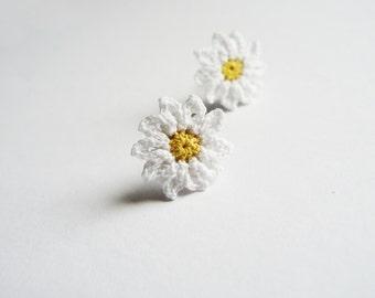 Crochet Daisy Ear Studs