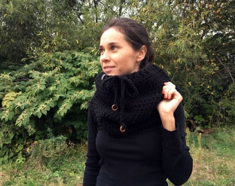 Chunky Scarf, Cowl Scarf Black scarf, chunky scarf, crochet cowl, crochet cowl scarf, Chunky scarf with lace and wood