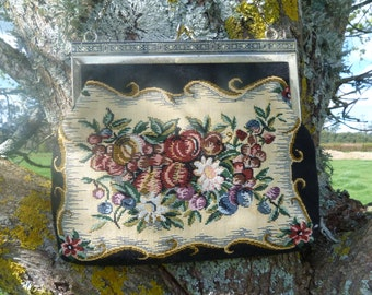 Gorgeous evening bag. a golden oldie